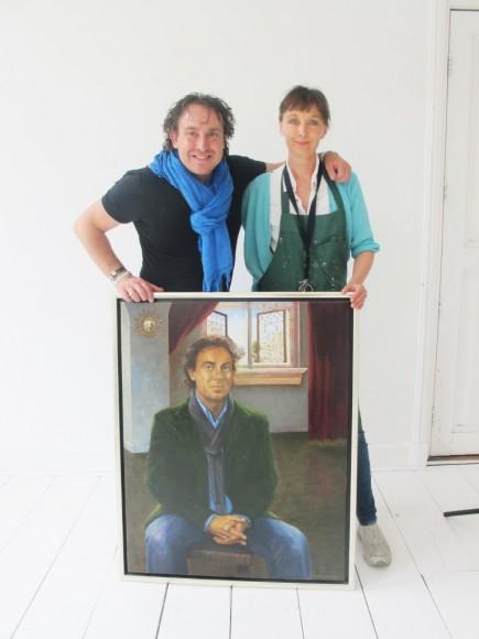 Marco Borsato met zijn portret en kunstenaar Liesbeth van Keulen in 2013. Portretschilder Liesbeth van Keulen, Portretschool Amsterdam